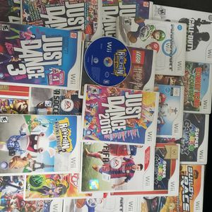 A Bunch Of Wii Games With Cases for Sale in Dallas, TX