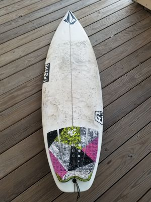 Chili 5'10 Surfboard for Sale in Queens, NY