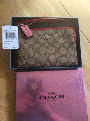 NWT Coach Wristlet With Logo and Gift Box for Sale in El Paso, TX
