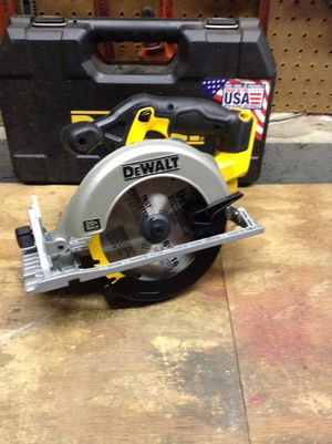 Dewalt 20 V circular saw for Sale in Columbus, OH