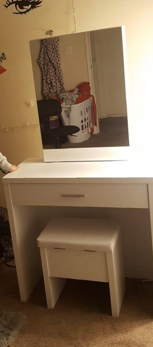 White vanity for Sale in Los Angeles, CA