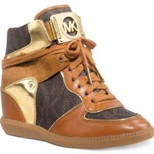 Michael Kors Wedge Shoe size 7 1/2 for Sale in Nashville, TN