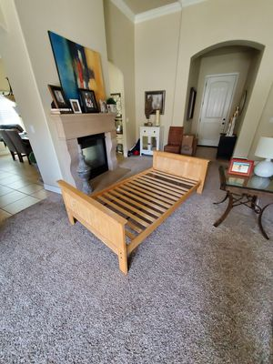 Twin size bed frame for Sale in Clovis, CA
