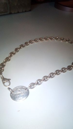Tiffany & co necklace for Sale in Corona, CA