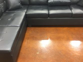 Black Leather Sectional Sofa With Reversible Chaise !! Brand New for Sale in Chicago,  IL