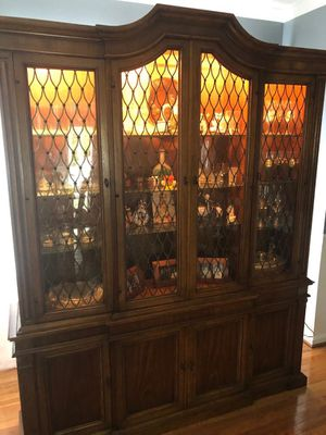 Oak china cabinet with glass shelves and lighting inside , in very good conditions!!! for Sale in Dumfries, VA