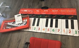 FAO Schwartz piano for Sale in Rancho Cucamonga, CA