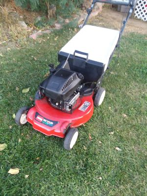Lawn mower toro selfpropeled with bag for Sale in Riverside, CA