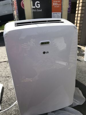 LG Electronics 10,200 BTU (6,500 BTU, DOE) Portable Air Conditioner, 115-Volt w/ Dehumidifier Function and LCD Remote in White for Sale in Naperville, IL