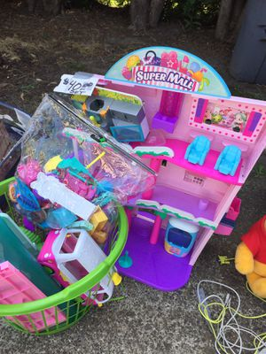 SHOPKINS SET for Sale in McMinnville, OR