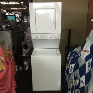 STACKED APARTMENT SIZE WASHER/GAS DRYER. for Sale in South Gate, CA
