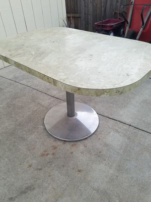 Oval table for Sale in Citrus Heights, CA