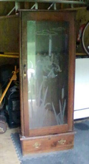 Antique Gun Cabinet for Sale in Altamonte Springs, FL