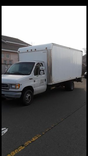 1999 Ford F450 box truck. Smogged and tagged for Sale in Vacaville, CA
