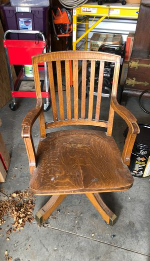 Antique Desk Chair for Sale in Joint Base Lewis-McChord, WA