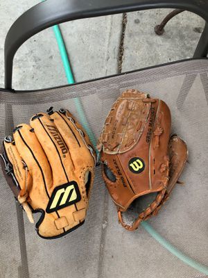 Kids baseball gloves (both included ) Wilson for Sale in Mount Prospect, IL