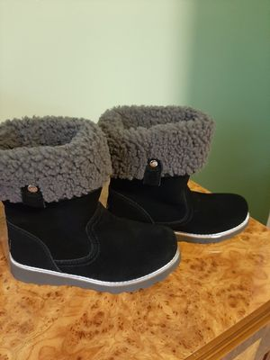 Ugg boots, size 1, never used. 40$. Porch pick up. for Sale in Farmington Hills, MI