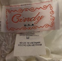 Medium Size Wedding Dress for Sale in Manassas,  VA