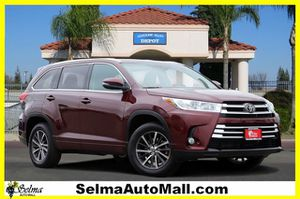2018 Toyota Highlander for Sale in Selma, CA