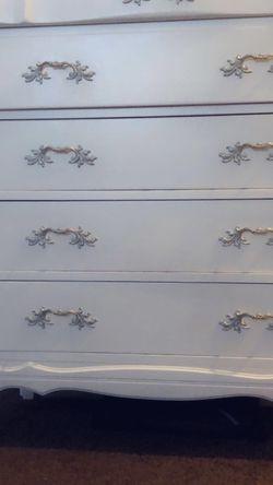 Dresser (not Free) for Sale in Whittier,  CA
