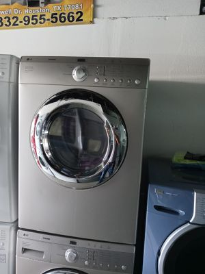 LG troom washer and dryer electric nice set for Sale in Houston, TX