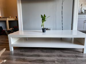 White coffee table or tv stand for Sale in Los Angeles, CA