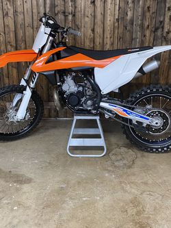 2017 KTM 250sx 2 Stroke Like New! Clean Title! for Sale in Newberg,  OR