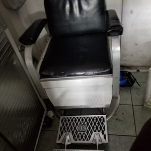 Two Koken Barber Chair for Sale in Orlando, FL