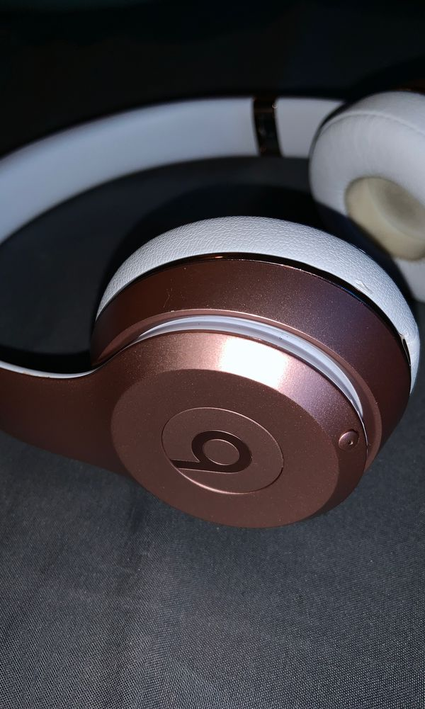 beats solo 3 (READ DESCRIPTION)