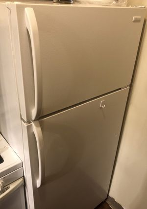 Tappan Frigidaire Refrigerator for Sale in North Olmsted, OH