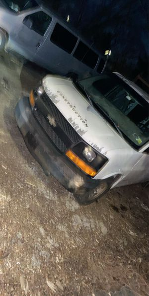 2003 Chevy express 2500 for Sale in New York, NY