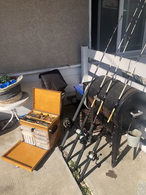 Fishing Gear 4 rod and reel combo with tackle box for Sale in Costa Mesa, CA