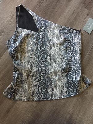 Snake print top for Sale in CRYSTAL CITY, CA
