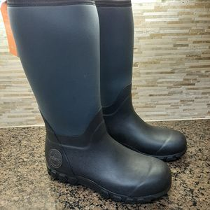 Habit All-Weather Men's Black Boots Size 9 *** New with box*** FW 2013 for Sale in Apopka, FL