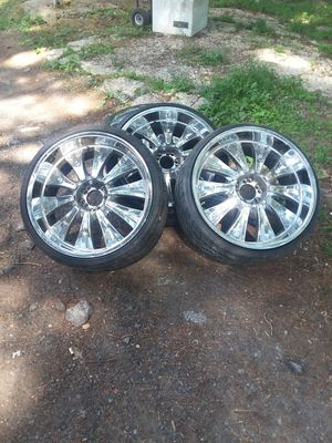 22 inch chrome rims / construction air compressor for Sale in Crownsville, MD