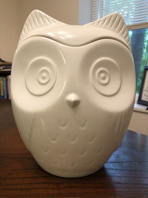 White Ceramic Owl Cookie Jar for Sale in Herndon, VA