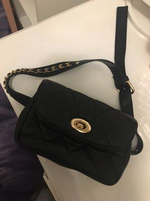 Black forever 21 Fanny pack for Sale in Beaumont, CA