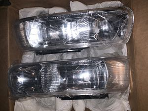 NIB Eagle Eyes Chevy Front Headlight Assembly Set for Sale in Bingham Canyon, UT