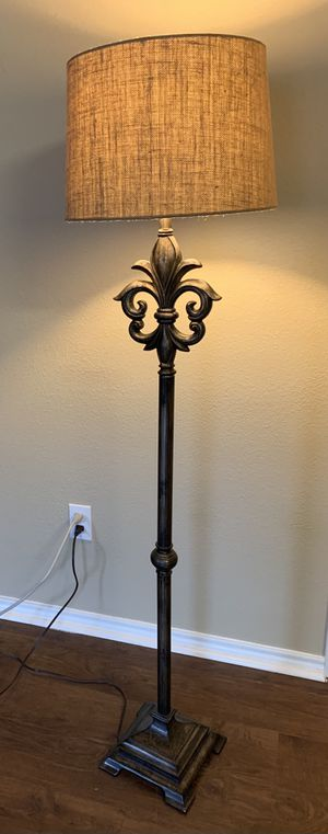 Burlap Shade floor lamp for Sale in Humble, TX
