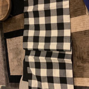 Table Runner for Sale in Bolingbrook, IL