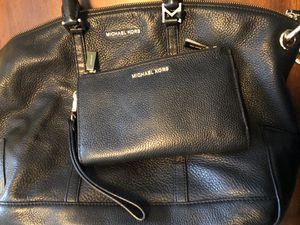 Michael Kors purse & wallet/wristlet for Sale in Banning, CA