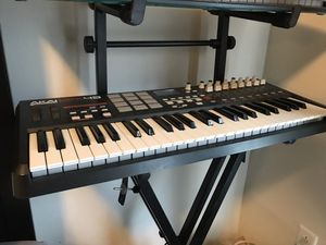 Akai MPK49 - Keyboard Midi Controller for Sale in Los Angeles, CA