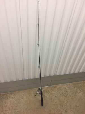 Ugly Stick Fishing Rod Quantum Reel Great Condition for Sale in Fredericksburg, VA
