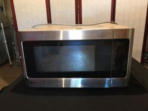 LG 1.5 cu. ft. Microwave oven for Sale in Sterling, VA