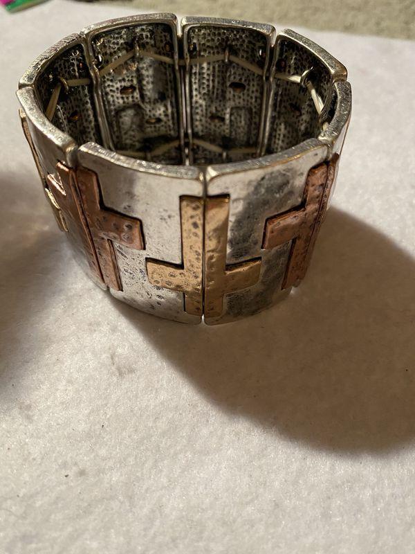 Metal Cross Bracelet