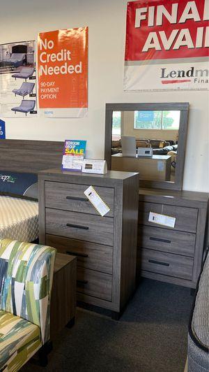 Queen bedroom set for Sale in Lexington, NC