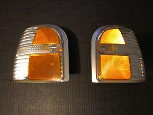2002-2005 Ford Explorer corner lense. for Sale in Cleveland, OH