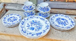 Blue Danube japan porcelain blue white dinnerware 4 x Five piece place settings ! for Sale in Saginaw, MI