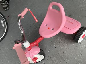 Tricycle. Radio Flyer Pink Rider Trike for Sale in Hialeah, FL