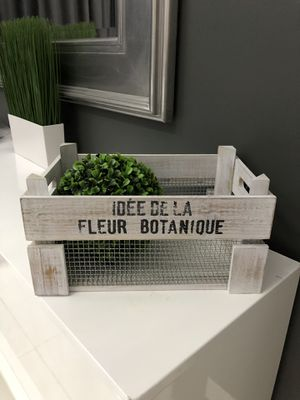"""Rustic Decorative Basket/Box in Weathered Finish With Silver Mesh - 14"""" x 9"""" x 7"""" - NEW! Shippable 📦 for Sale in Joliet, IL"""